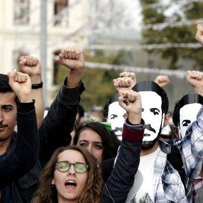 Protest mot Erdo?an, som vill hindra studerande av olika kön från att bo i samma studentboenden.