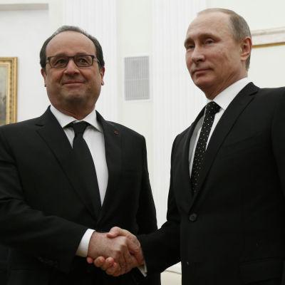Francois Hollande och Vladimir Putin i Moskva den 26 november 2015.