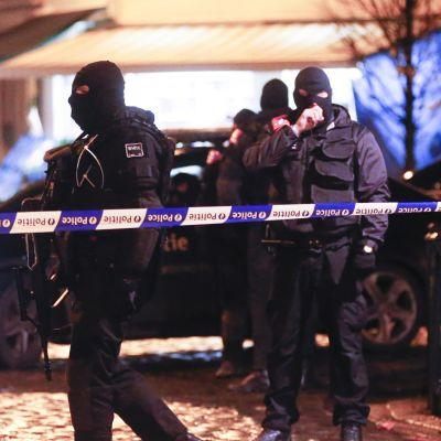 Poliisi teki kotietsintöjä ja eristi osan Brysseliä marraskuun lopussa, kun Belgian terroriuhkataso nostettiin korkeimmalle tasolle.