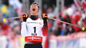 Bernhard Gruber firar VM-guld, Falun 2015.