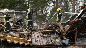 Valkjärven koulun tulipalo.