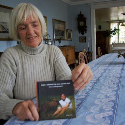 Anna Lena Bengelsdorff har skrivit en bok om flyktingflickan Jin.