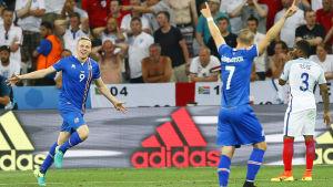 Kolbeinn Sigthorsson jublar efter att ha prickat in segermålet i åttondelsfinalen mot England.