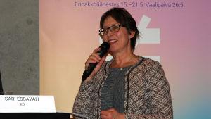 Kristdemokraternas partiordförande Sari Essayah deltar i EU-valdebatt.