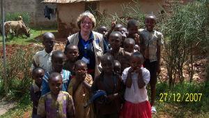 Sonja Kurtén-Vartio på uppdrag i Kenya 2007.