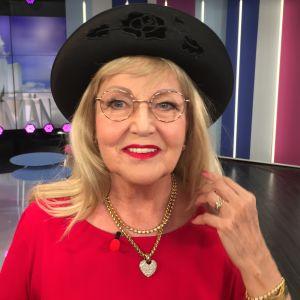 Kuvataiteilija, ex-missi Virpi Miettinen Puoli seiskan studiossa