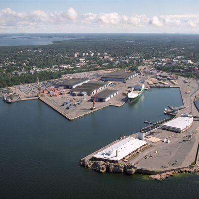 Västra hamnen i Hangö sedd från luften.