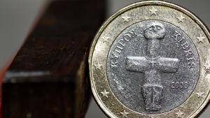 cyperns auro