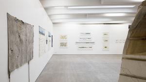 """Bild från Britta Marakatt-Labbas utställning """"History in Stitches""""."""