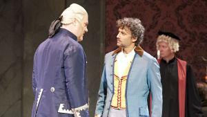 Bryn Terfel (Scarpia) ja Jonas Kaufmann (Cavaradossi)