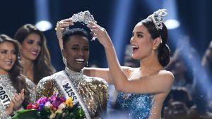 Zozibini Tunzi kröns till Miss Universum 2019.