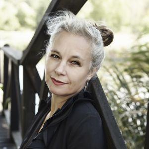 Bild på författaren Sara Stridsberg.
