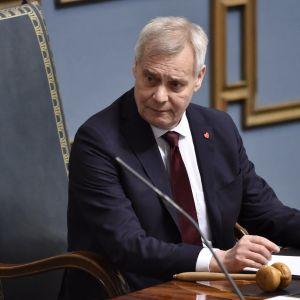 Antti Rinne utnämns till talman.