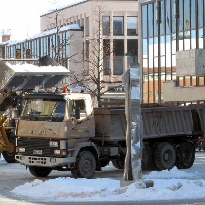 Snöröjning i Jakobstad.