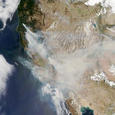 Kalifornian metsäpalot, Nasan satelliittikuva