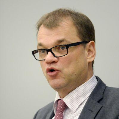 Statsminister Juha Sipilä i riksdagen den 18 november 2015.