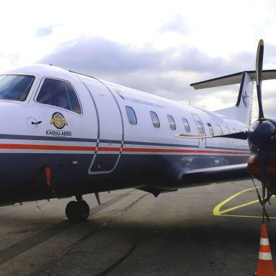 Lentokone Porin lentokentällä