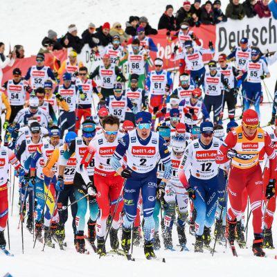 Kansainvälisen hiihtoliiton FIS:n alaiset kilpailut kokevat ensi talven lumilla mullistuksen, kun jo neljänä vuosikymmenenä peräkkäin tehokkaimmaksi havaittujen fluorivoiteiden käyttö kielletään.