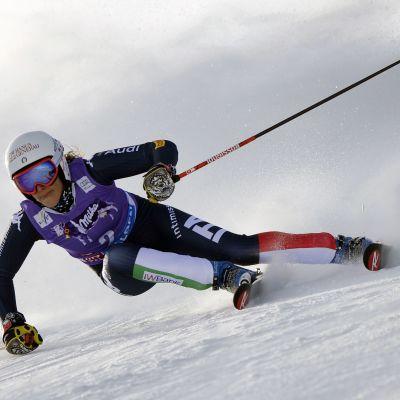 Federica Brignone aloitti alppihiihtokauden uransa ensimmäisellä voitolla.