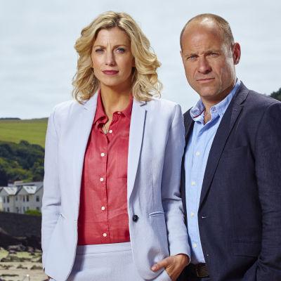 BBC:n uusi draamasarja Jane Kennedy, kuolinsyytutkija kuvaa pienen rannikkokaupungin arkea ja elämää.