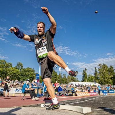 Tomas Söderlund i farten i Åbo.