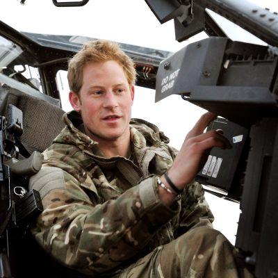 Prins Harry i en stridshelikopter i Afghanistan i december 2012.