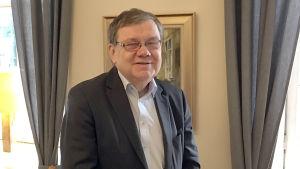 Profilbild på Christoffer Taxell.