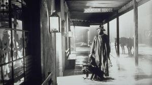 Henry Fonda elokuvassa Erämaan laki (My Darling Clementine), 1946