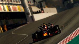 Max Verstappen kör Red Bull i Barcelona 2019.