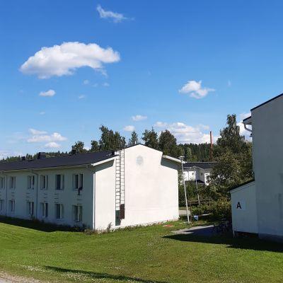 Auvilan vastaanottokeskuksen rakennuksia Jämsässä.