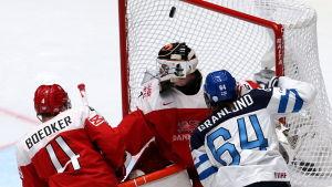 Mikael Granlund gör mål mot Danmark i hockey-VM 2016.
