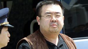 Kim Jong-uns halvbror Kim Jong-nam (på bilden) mördades i Kuala Lumpur den 13 februari 2017. Bilden är tagen år 2001 på flygplatsen i Tokyo.
