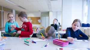 Kielibaari Amsterdamin Suomi-koulussa
