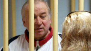 Sergej Skripal inför en militärdomstol i Moskva år 2006.