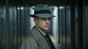 Volker Bruch tv-sarjassa Babylon Berlin