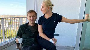 Aleksej Navalnyj med hustrun Julia