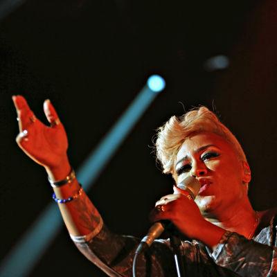 Emeli Sandé konsertissa Lontoon Royal Albert Hallissa, 2012