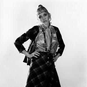 Valokuvamalli 1960-luvun muotivaatteissa ohjelmasta Euromuoti (1969)