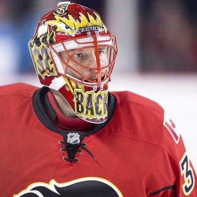 Niklas Bäckström har hittills spelat tre matcher för Calgary Flames.