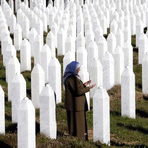 Till minne av Srebrenica