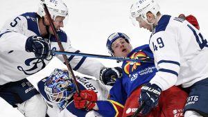 Sakari Manninen hade det inte lätt mot Dynamo Moskva.