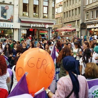 En demonstration mot våld mot kvinnor organiserad av HDP i Istanbul.