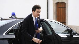George Osborne på väg till EU:s finansministermöte i Unger i april