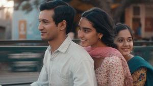 Nisha åker Vespa med två av sina släktingar i Pakistan.