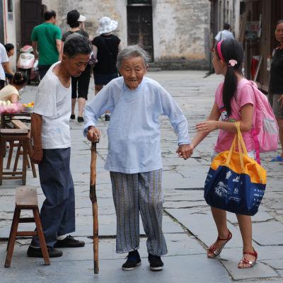 Demens och en åldrande befolkning skapar problem i Kina