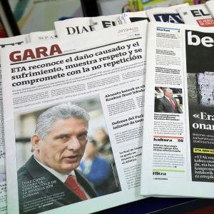 Tidningarna Gara och Berria har nyheten om att Eta ber om ursäkt på sina första sidor.