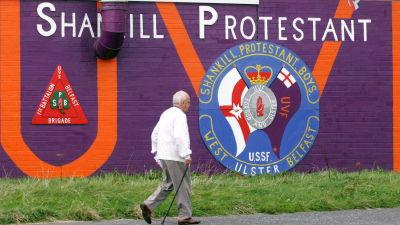 En väggmålning i Belfast som uttrycker stöde för den lojalistiska paramilitära organisationen UVF