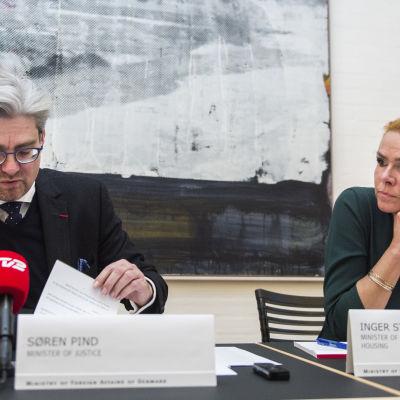 Danmarks justitieminister Søren Pind och integrations-, immigrations- och bostadsminister Inger Støjberg redogör för flyktingläget den 4 januari 2016.