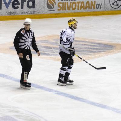 Oula Palve får lämna isen