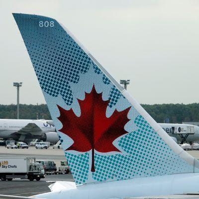 Air Canadan Boeing 787 kone Frankfurtin lentokentällä.